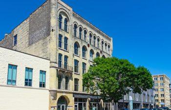 serif-milwaukee-apartment-exterior-3
